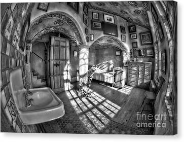 Master Bedroom At Fonthill Castlebw Canvas Print by Susan Candelario