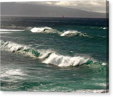 Canvas Print - Maui Northshore Waves by Robert Lozen