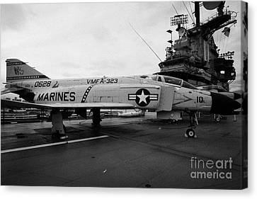 Mcdonnell F4 F-4n Phantom On Display On The Flight Deck At The Intrepid Sea Air Space Museum Canvas Print by Joe Fox