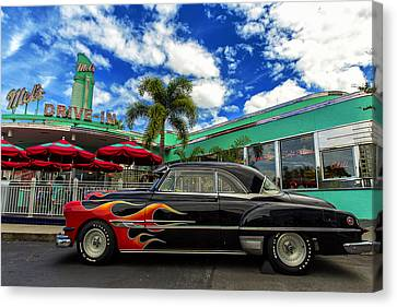 Mel's Drive In Canvas Print by Bill Tiepelman