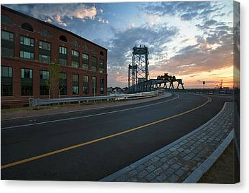 Memorial Sunrise Canvas Print by Eric Gendron