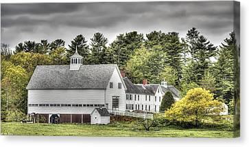 Merrucoonegan Farm Canvas Print by Richard Bean