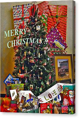 Canvas Print featuring the photograph Merry Christmas Card Color by Gary Brandes