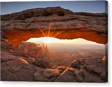 Mesa Arch Morning Canvas Print by Andrew Soundarajan