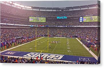 Metlife Stadium And New York Giant Canvas Print by Juergen Roth