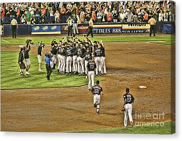 Mets Take Nl 2006 Canvas Print by Chuck Kuhn