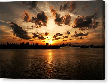 Canvas Print featuring the photograph Miami Skyline Sunset by Gary Dean Mercer Clark
