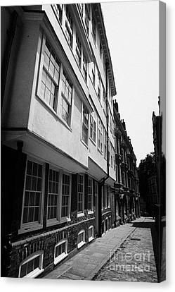 middle temple lane London England UK Canvas Print by Joe Fox