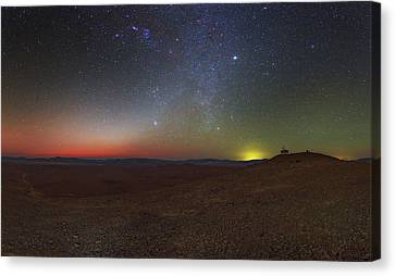 Milky Way And Zodiacal Light At Dusk Canvas Print by Babak Tafreshi