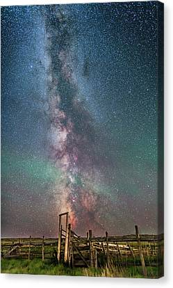 Milky Way Over The 76 Ranch Corral Canvas Print by Alan Dyer
