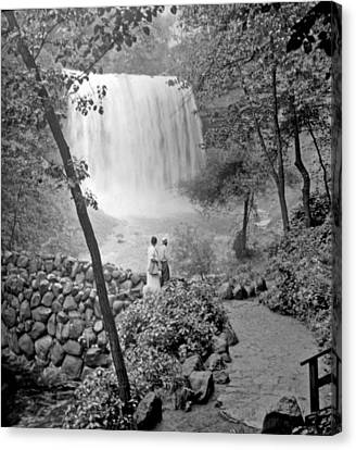 Minnehaha Falls Minneapolis Minnesota 1915 Vintage Photograph Canvas Print by A Gurmankin