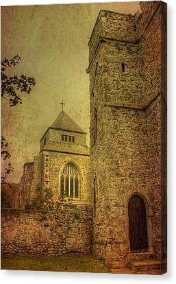 Minster Abbey And Gatehouse Canvas Print by Dave Godden