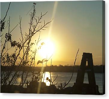 Canvas Print featuring the photograph Mississippi River Sunset by Ray Devlin