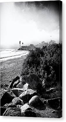 Mondos Shoreline Canvas Print by Ron Regalado