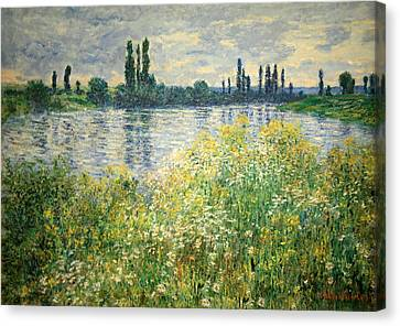 Monet's Banks Of The Seine At Vetheuil Canvas Print by Cora Wandel