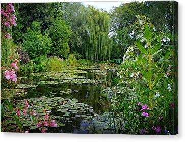 Monet's Pond With Waterlilies And Bridge Canvas Print by Carla Parris