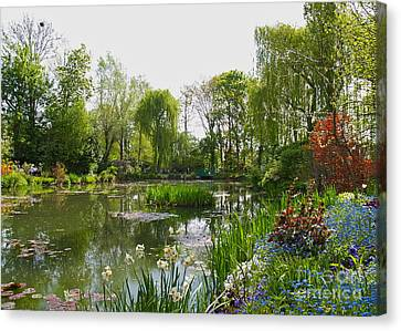 Monet's Water Garden At Giverny Canvas Print by Alex Cassels