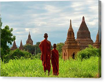 Monks With Ancient Temples And Pagodas Canvas Print by Keren Su