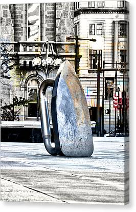 Monopoly Iron Statue In Philadelphia Canvas Print by Bill Cannon