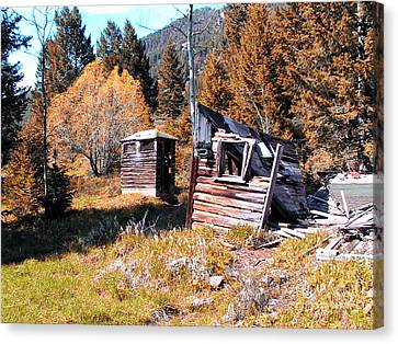 Montana Outhouse 01 Canvas Print by Thomas Woolworth