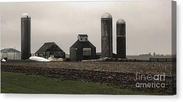 Montezuma Iowa - Farm Canvas Print by Gregory Dyer
