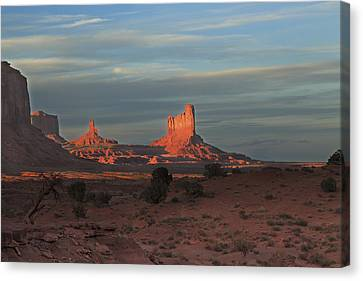 Canvas Print featuring the photograph Monument Valley Sunset by Alan Vance Ley