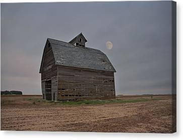 Moon Over Abandoned Iowa Corn Crib Canvas Print