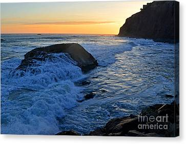 Moon Tides In Dana Point Canvas Print