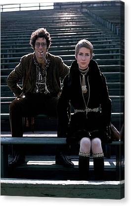 Gold Necklace Canvas Print - Moreen Mcgill And Elliot Gould by William Connors