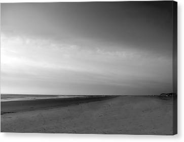 Canvas Print featuring the photograph Morning At Tybee Island by Frank Bright
