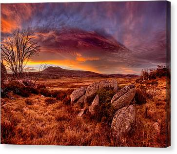 Morning Clouds Over Jugungal Canvas Print by Robert Charity