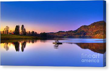 Morning Glory.. Canvas Print by Nina Stavlund