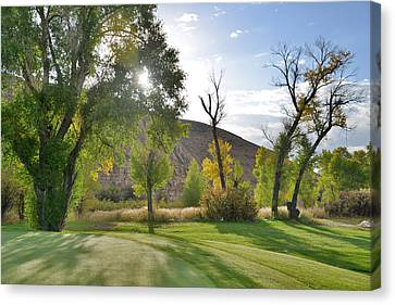 Morning Light At The Rolling Green Cc Canvas Print by Eric Nielsen