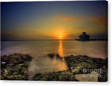 Morning Sun Rising In The Grand Caymans Canvas Print by Dan Friend