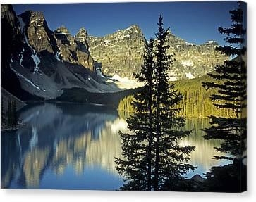 Morraine Lake II Canvas Print