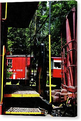 Railroads Canvas Print - Morristown And Erie Caboose by Susan Savad