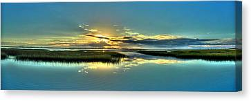 Canvas Print featuring the photograph Morse Park Landing Sunrise by Ed Roberts