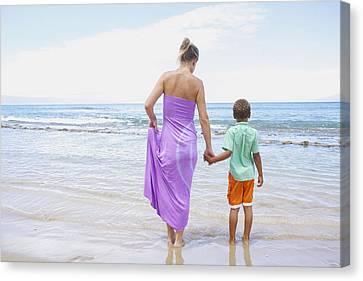 Mother And Son On Beach Canvas Print by Kicka Witte