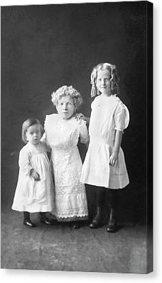 Mother With Dwarfism With Daughters Canvas Print