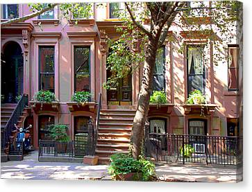 Motorbike And Houses In Brooklyn Heights Canvas Print by Frank Tozier
