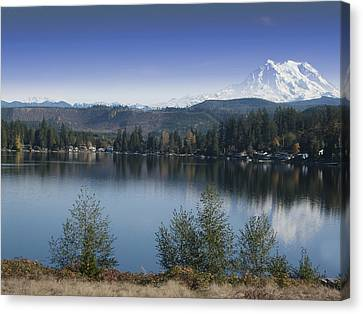 Mount Rainier In The Fall Canvas Print