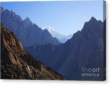 Mountain Landscape In The Karakorum Canvas Print by Robert Preston
