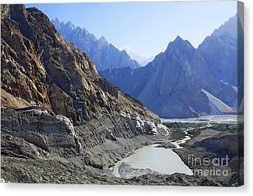 Mountain Landscape Pakistan Canvas Print by Robert Preston