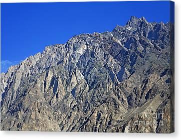 Mountain Peak Of The Hunza Valley Canvas Print by Robert Preston