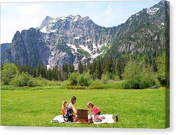 Canvas Print featuring the photograph Mountain Picnic by Kelly Reber