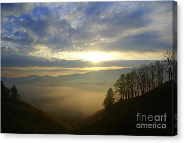 Mountain Valley Sunrise Canvas Print