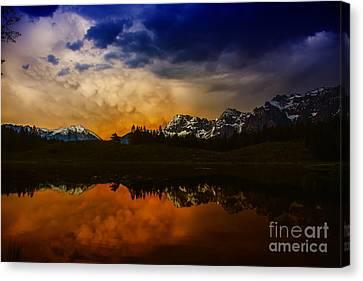 Mountainlake Canvas Print
