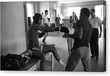 Muhammad Ali Playing Around Canvas Print by Retro Images Archive