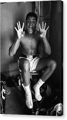 Muhammad Ali Showing Off  Canvas Print