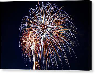 4th Of July Fireworks 14 Canvas Print by Howard Tenke